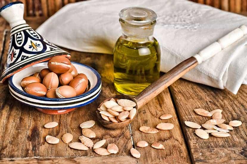 El aceite de argán se utiliza como agente antibacteriano y antiinflamatorio.