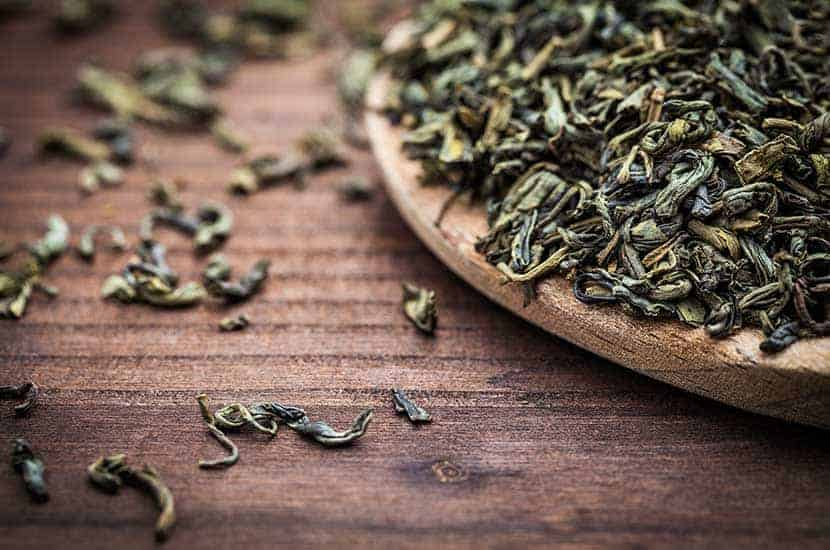 Las catequinas del té verde tienen efectos termogénicos que promueven la pérdida de grasa.