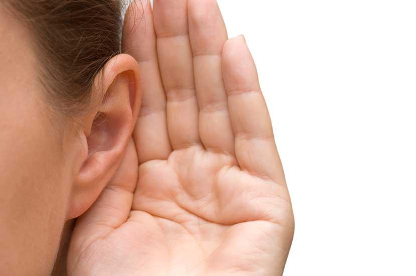 Calminax puede ayudar a reducir los síntomas del tinnitus y la sordera parcial.