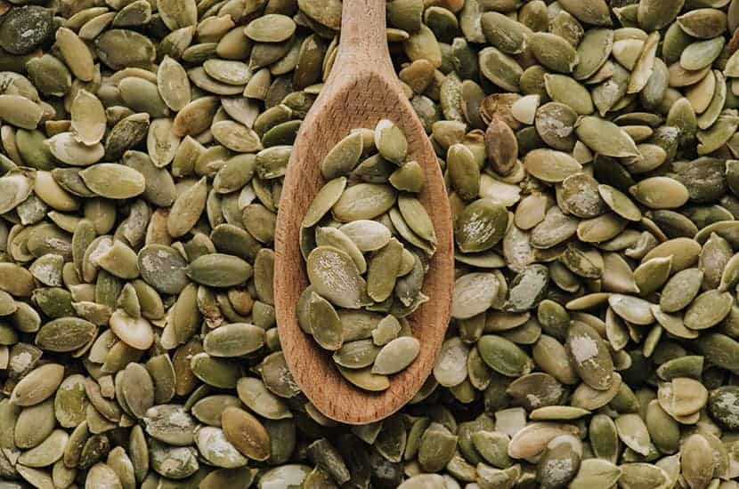 Las semillas de calabaza son ricas en zinc, lo que ayuda a aumentar la producción de esperma.