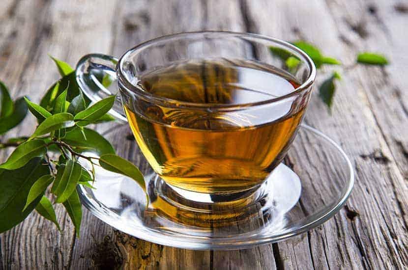 El té verde es rico en antioxidantes y sustancias que pueden quemar grasas