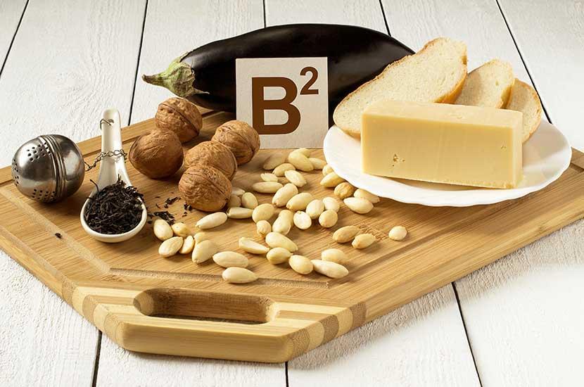 Vitamino B2 yra raudonoje mėsoje, pieno produktuose ir kiaušiniuose.