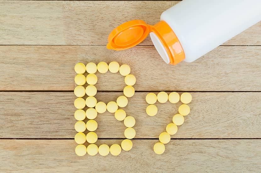 La biotina o vitamina B7 también es esencial para el crecimiento del cabello sano y fuerte.